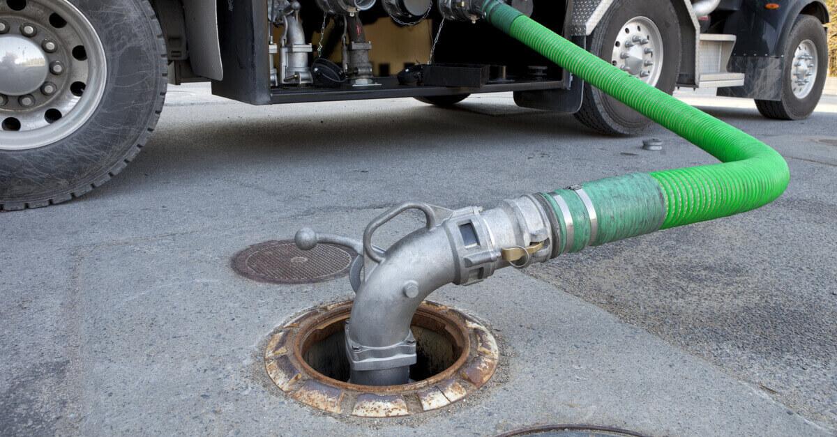 Como a automatização ajuda na conferência da entrada de combustível de seu tanque em termos de volume de combustível